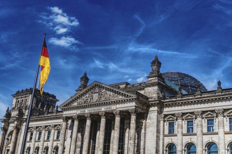 Германия готова помочь компаниям, работающим в Иране