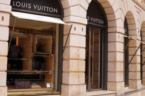 How trade war may influence luxury goods sector?