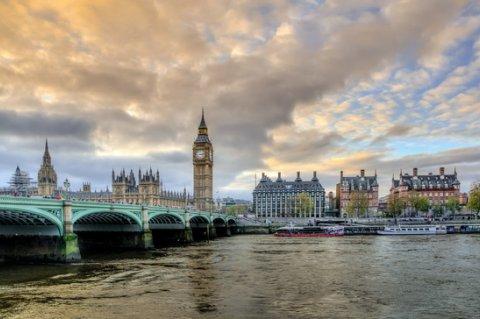 Испанский банк переезжает в Лондон