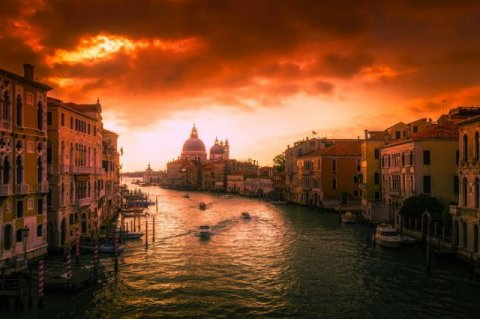 Italian banks are in spotlight again