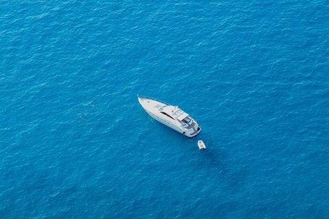 Налоговые аспекты владения мега яхтой
